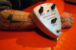 Roadrunner Guitars Interview 1 Supersonic Fuzz (en français)