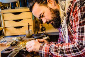 Gildas Vaugrenard Luthier Dasviken Interview 1 Background