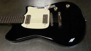 Roadrunner Guitars Contour Black For Sale
