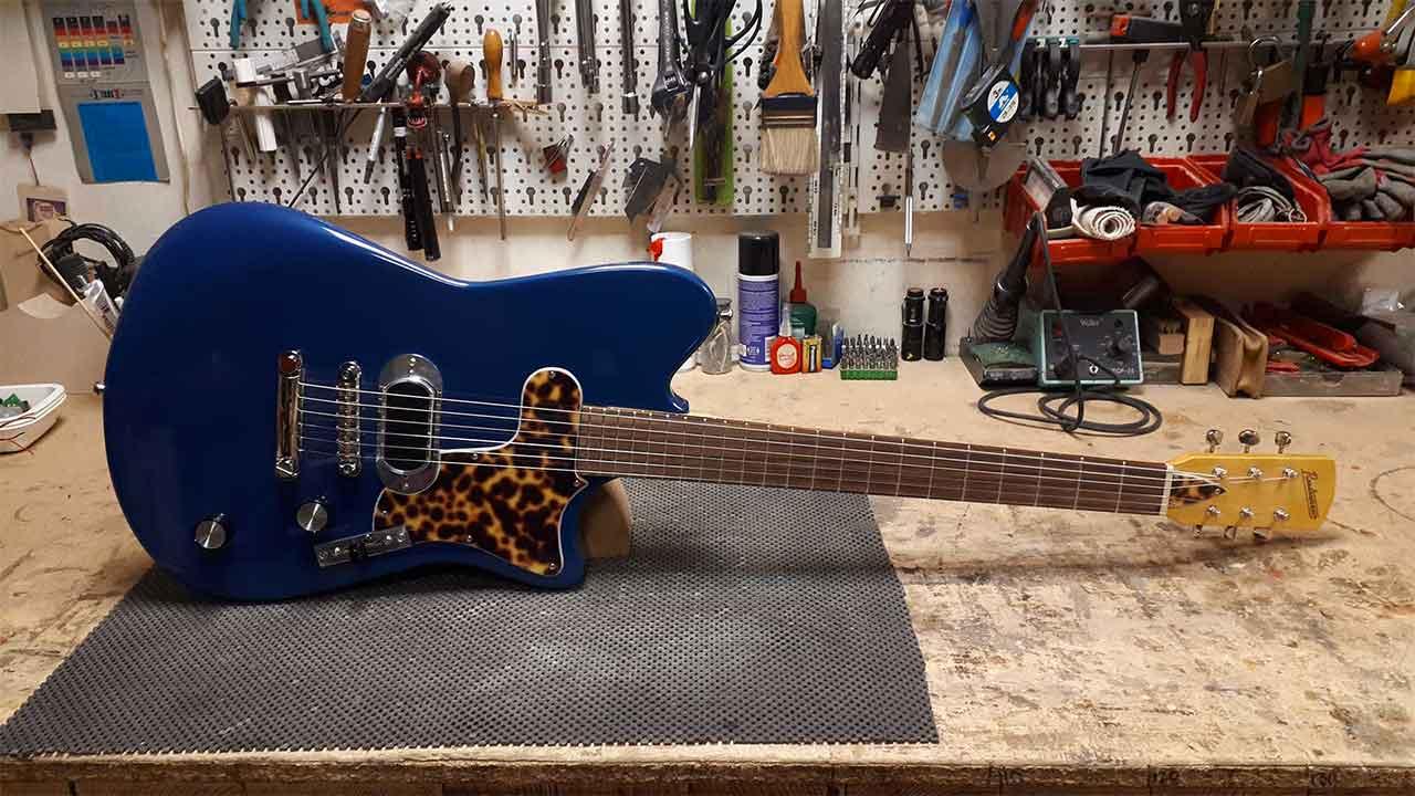 Paris Guitar Festival Roadrunner Guitars